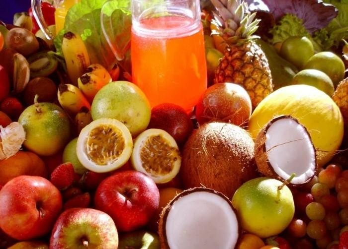 Tropische-Früchte-auch-im-Getränke