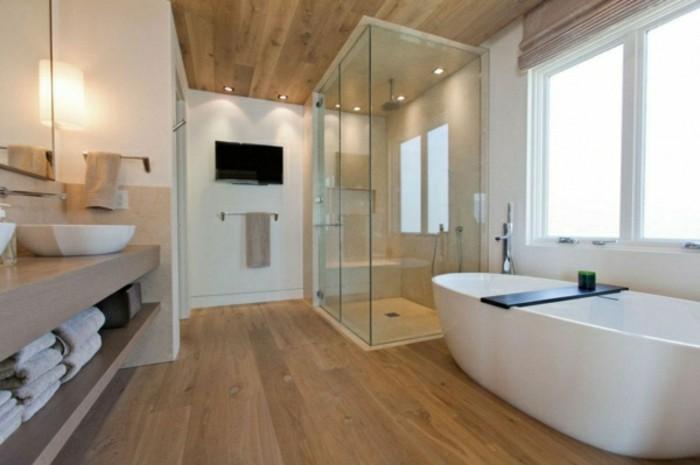 Waschtischplatte-Holz-zwei-waschbecken-in-großem-badezimmer