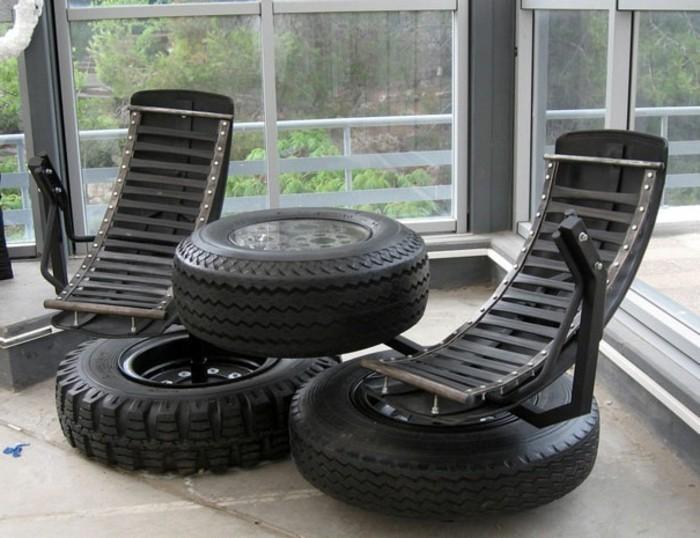 altreifen-recycling-schwarze-attraktive-möbel-sessel-und-tisch