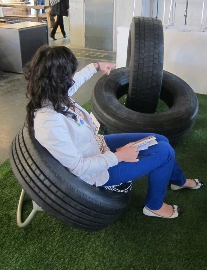 attraktive-gestaltung-moderne-möbel-aus-altreifen-recycling