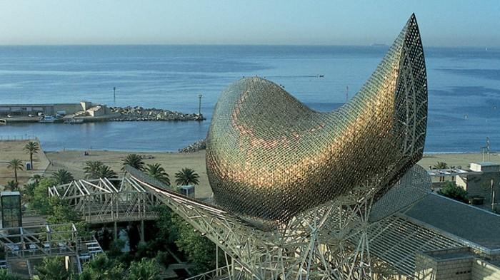 der-fisch-von-frank-gehry-in-barcelonita-barcelona-unglaubliche-architektur