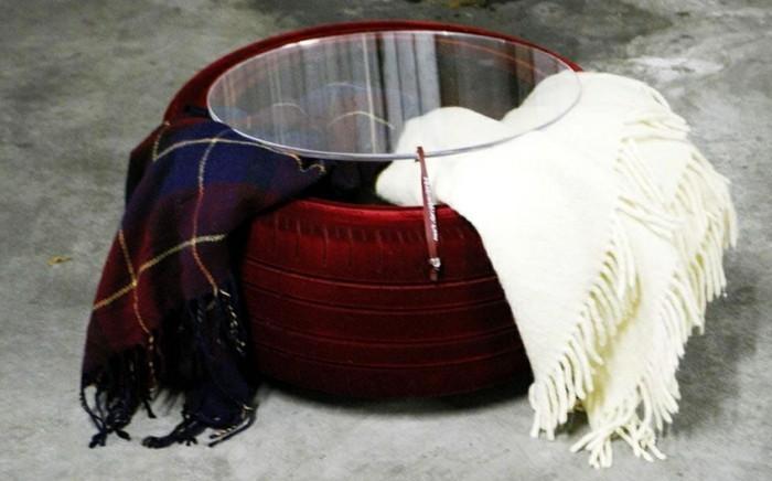 eleganter-nesttisch-altreifen-recycling-moderne-diy-möbel