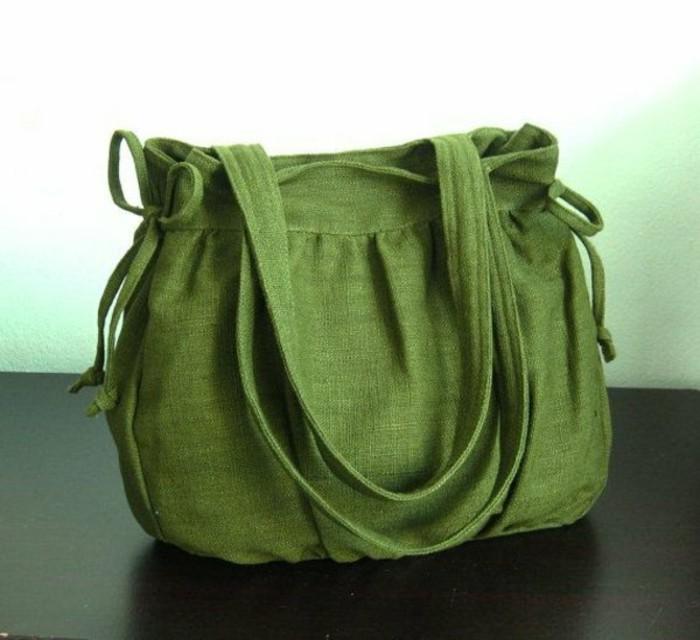 grüne-tasche-mit-modernem-design