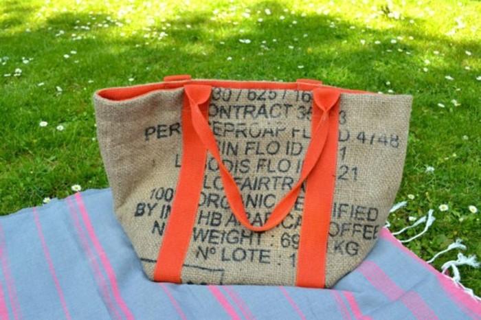 große-canvas-tasche-mit-orange-henkeln