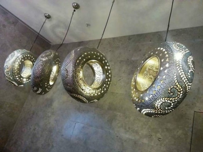 hängende-leuchten-aus-altreifen-recycling-attraktives-design