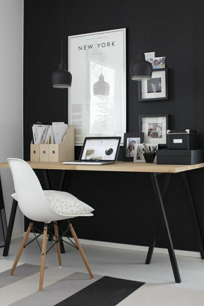 holz-schreibtischmodernes-design-zwei-schwarze-pendelleuchter-resized