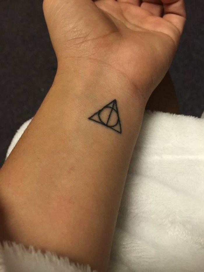 kleine-Männer-Tattoos-die-Symmetrie