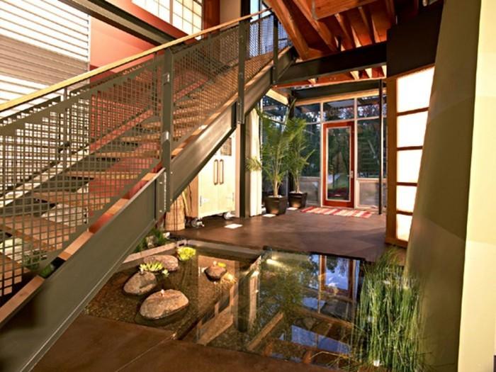 kreative-innengestaltung-von-einem-interessanten-panorama-haus