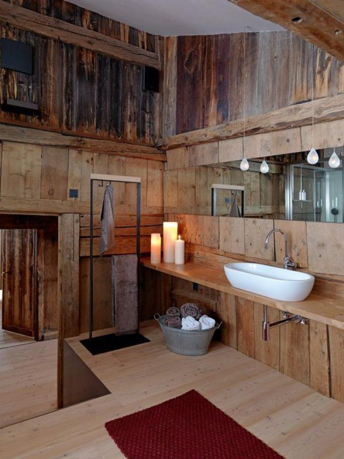landhaus-badezimmer-groß-keramik-waschschale-und-holz-waschtischkonsole