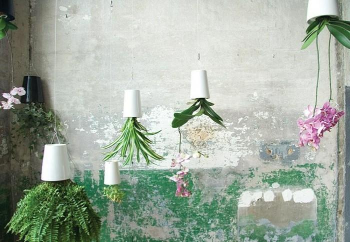lustige-gartendeko-selber-machen-schöne-hängende-grüne-pflanzen