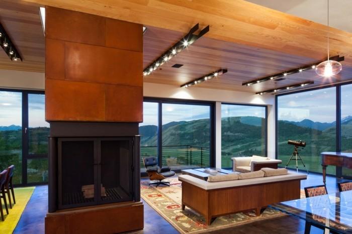 luxus-kamin-in-einem-weitläufigen-haus-mit-panorama