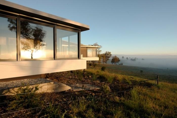 panorama-haus-mit-interessanter-architektur-schönes-design