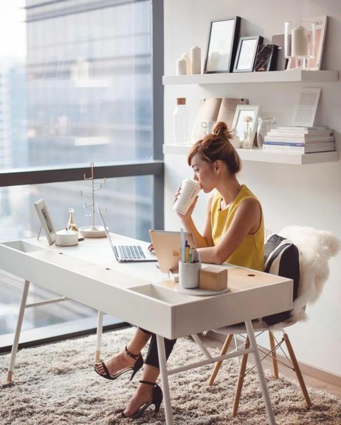 Schreibtisch design exklusive ideen f r ihr arbeitszimmer for Schreibtisch holz modern