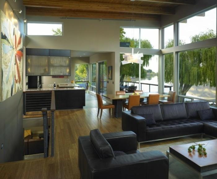 schwarze-schicke-möbel-in-modernem-elegantem-haus-mit-panorama