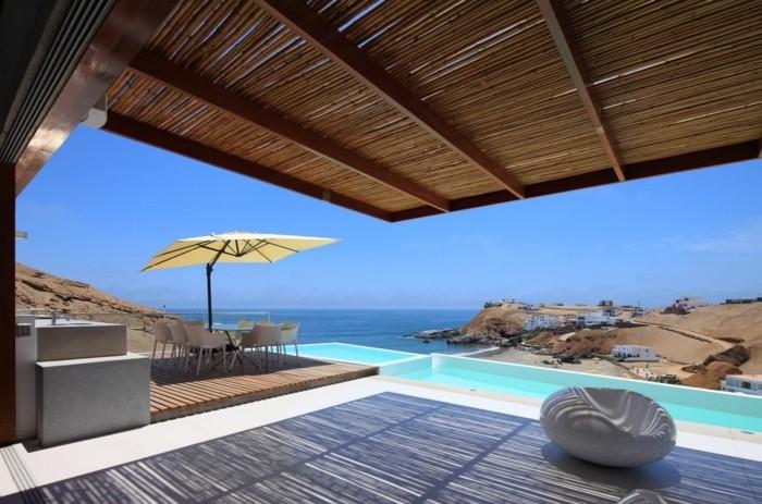 strandhaus-mit-einem-super-schönen-blick-heißes-wetter-draußen