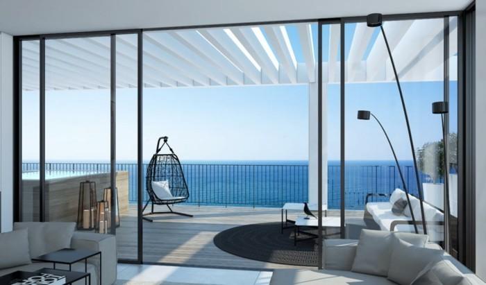 super-schönes-modell-panorama-haus-weiße-gestaltung-minimalistische-architektur