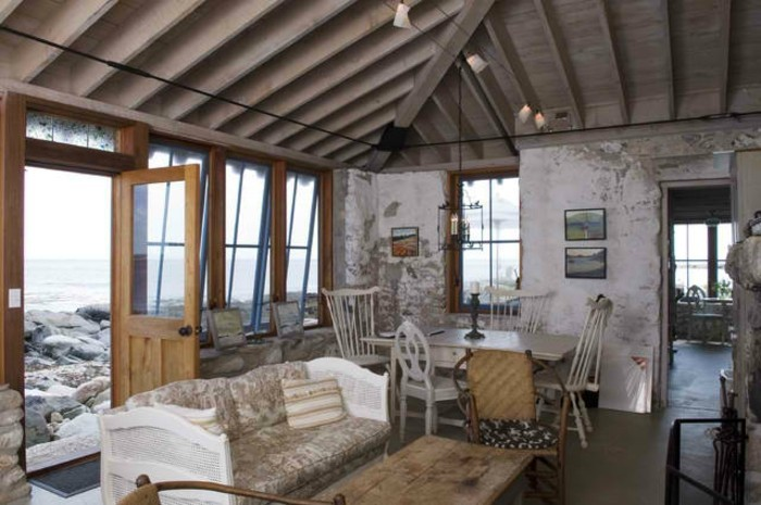 traditionelles-shcönes-panorama-haus-mit-gemütlichen-innenräumen