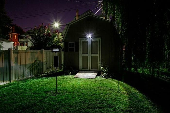 Außenbeleuchtung-mit-Bewegungsmelder-sehr-schön