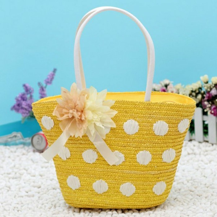 Ausgefallene-Handtaschen-für-den-sommer-urlaub-ans-meer