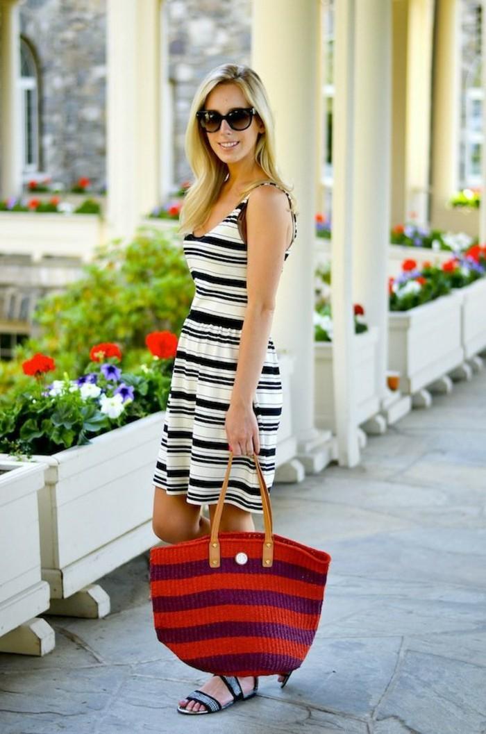 Ausgefallene-Handtaschen-groß-gestreift