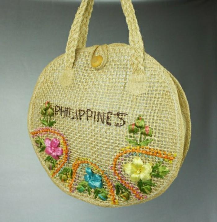 Ausgefallene-Handtaschen-in-einer-runden-form