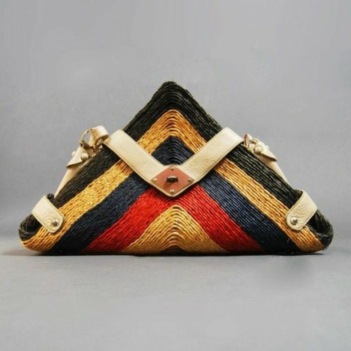 Ausgefallene-Handtaschen-mit-extravaganter-form