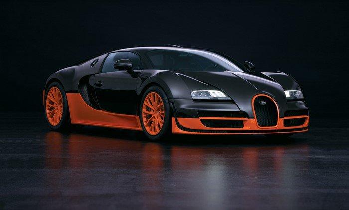 Auto-Scout-Bugatti-Veyron-und-schwarzer-Hintergrund