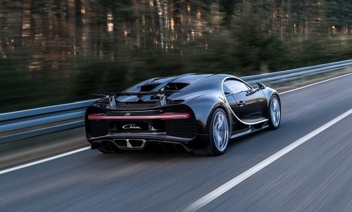 Auto-Scout-Bugatti-unterwegs