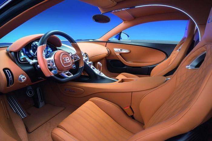 Autoscout-Bugatti-chiron-Interieur