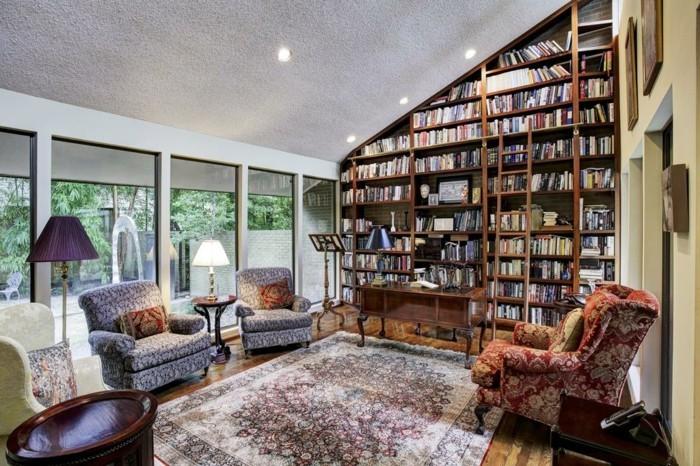 Bücherregal-Leiter-und-stilvolle-Einrichtung