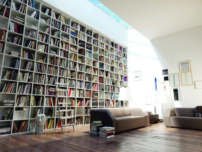 Bücherregal-mit-Leiter-einfach-enorm