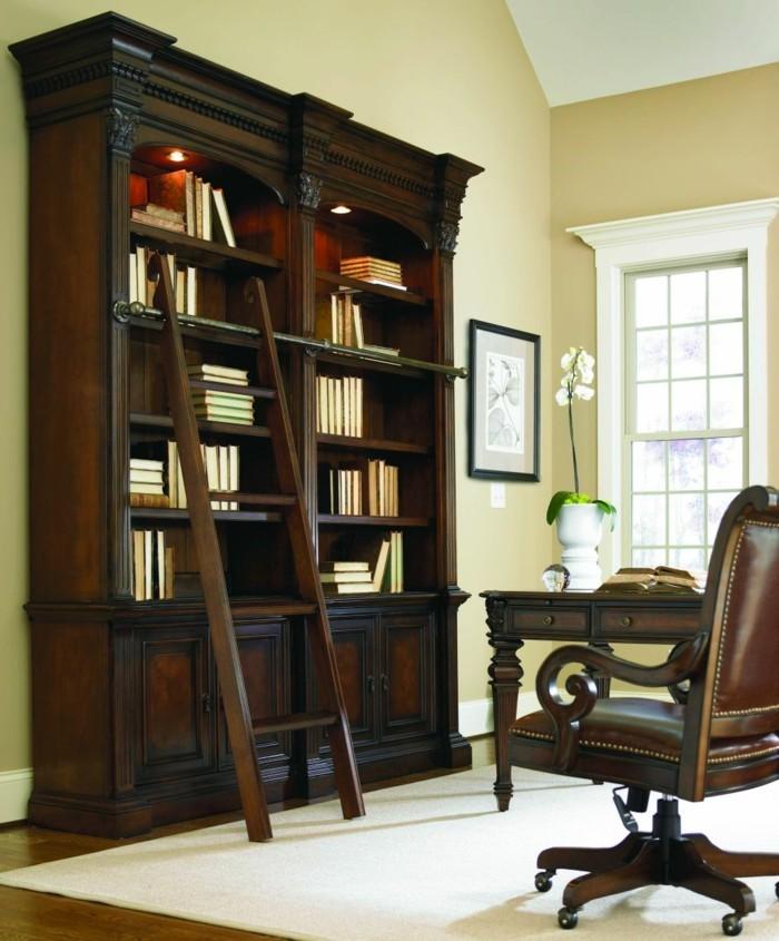 Bücherregal-mit-Leiter-für-den-Arbeitsplatz