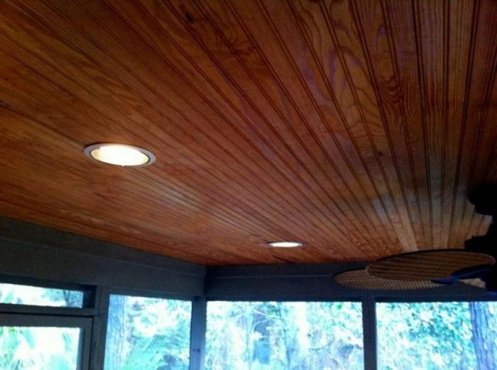 Deckenpaneele-Holz-für-Haus-am-Strand
