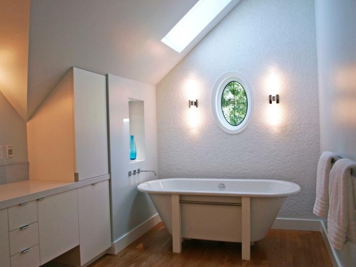 Einbauschrank-für-Dachschräge-freien Raum-optimal-ausnutzen-Einrichtungsideen-Badezimmer1