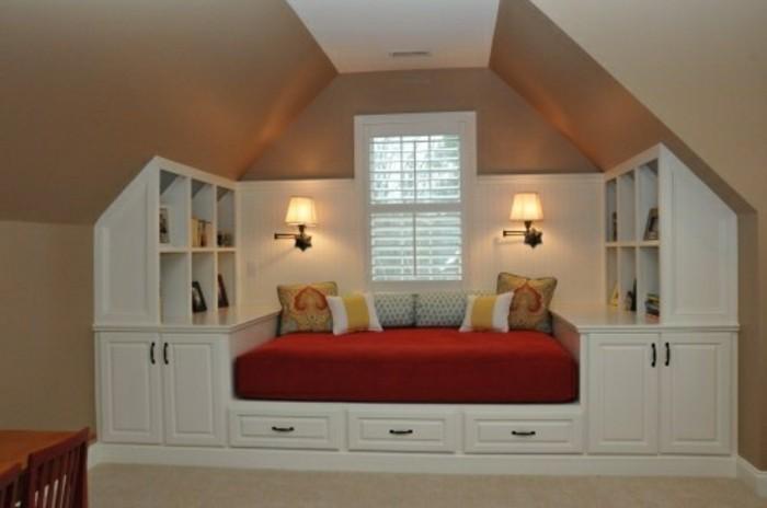 Einbauschrank-für-Dachschräge-freien Raum-optimal-ausnutzen-Einrichtungsideen-Regal-Ecke