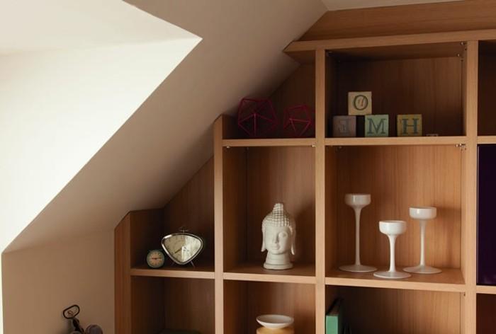Einbauschrank-für-Dachschräge-freien Raum-optimal-ausnutzen-Einrichtungsideen-Regal10