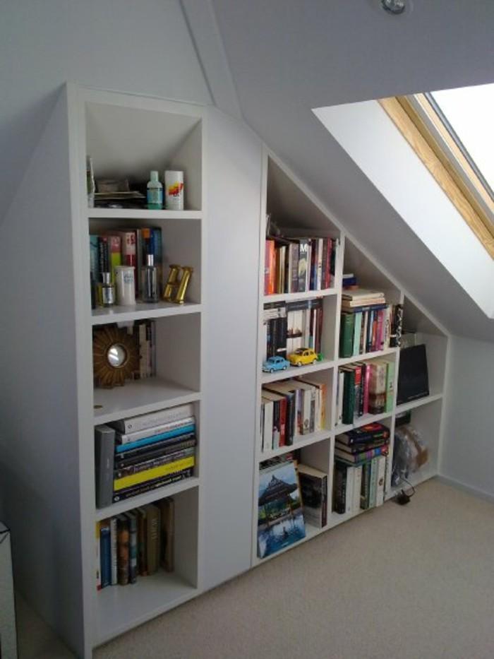 Einbauschrank-für-Dachschräge-freien Raum-optimal-ausnutzen-Einrichtungsideen-Regal9