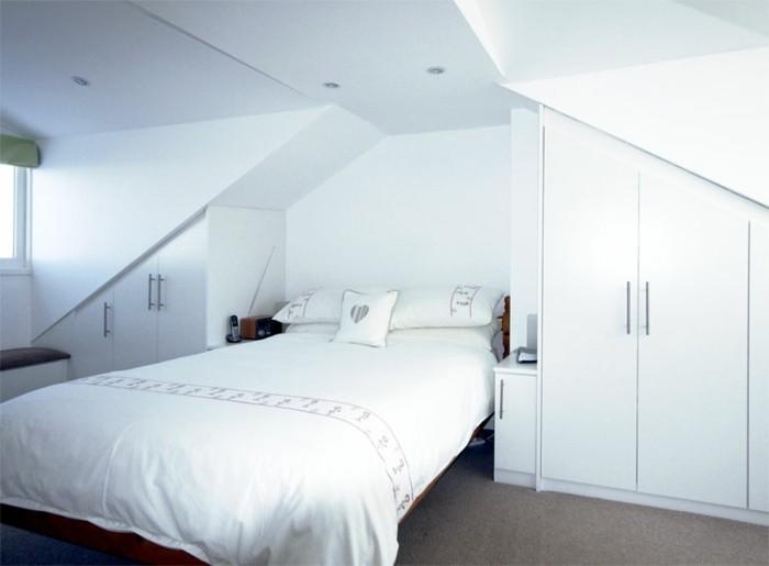 Einbauschrank für Dachschräge: freien Raum optimal ausnutzen