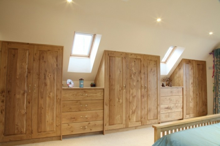 Einbauschrank-für-Dachschräge-freien Raum-optimal-ausnutzen-Einrichtungsideen-Schrank7