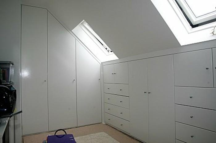 Einbauschrank-für-Dachschräge-freien Raum-optimal-ausnutzen-Einrichtungsideen-Schrank8
