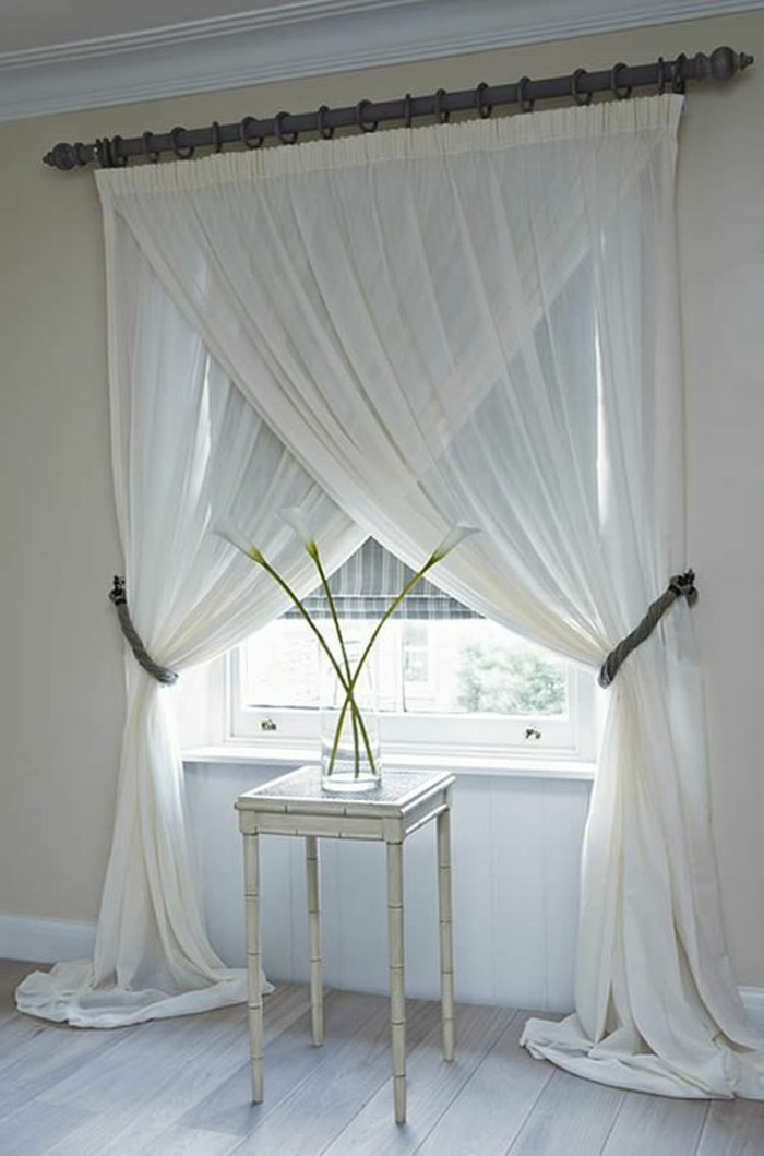 Gardinen-für-große-Fenster-an-gegenseite-gebunden