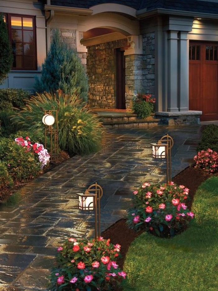 Gartengestaltung-Bilder-schön-mit-pflanzen-und-lampen