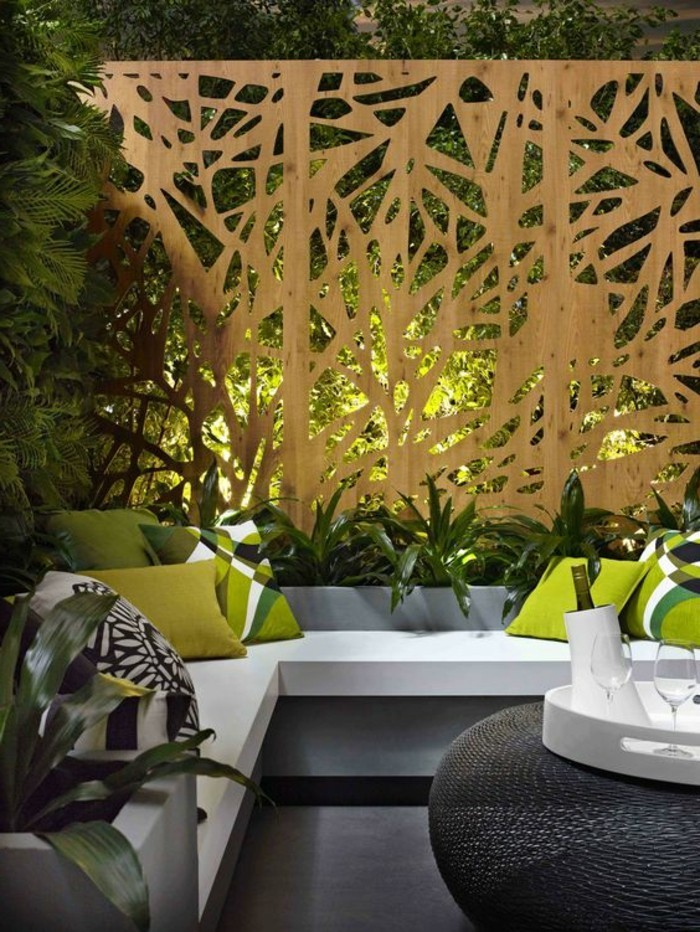 Gartengestaltung-Sichtschutz-moderne-sitzecke