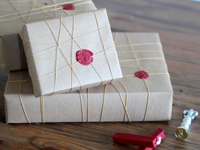 Geschenk-einpacken-Eine auffällige Entscheidung