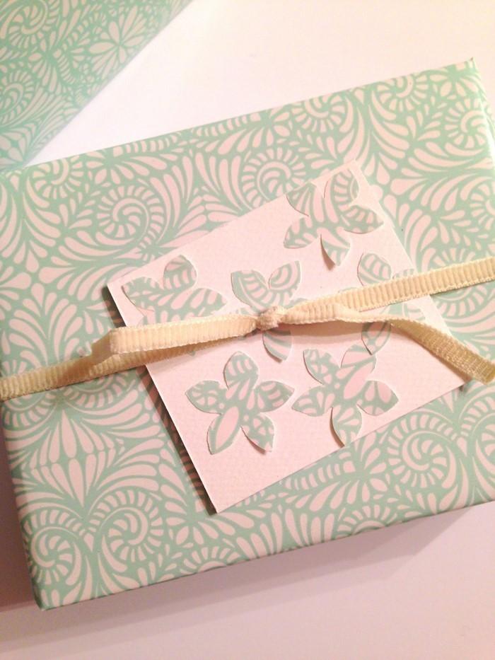 Geschenk-einpacken-Eine-kreative-inrichtung