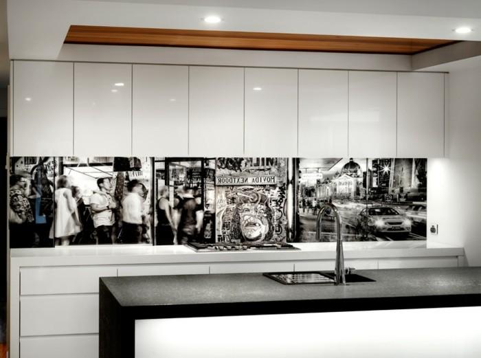 Gestalltungsideen für moderne küche glasrückwand schwarz weiß