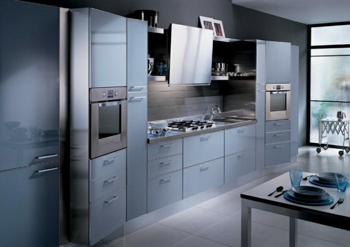 Gestalltungsideen-für-Moderne-Küche-Glasrückwand-Schwarz5