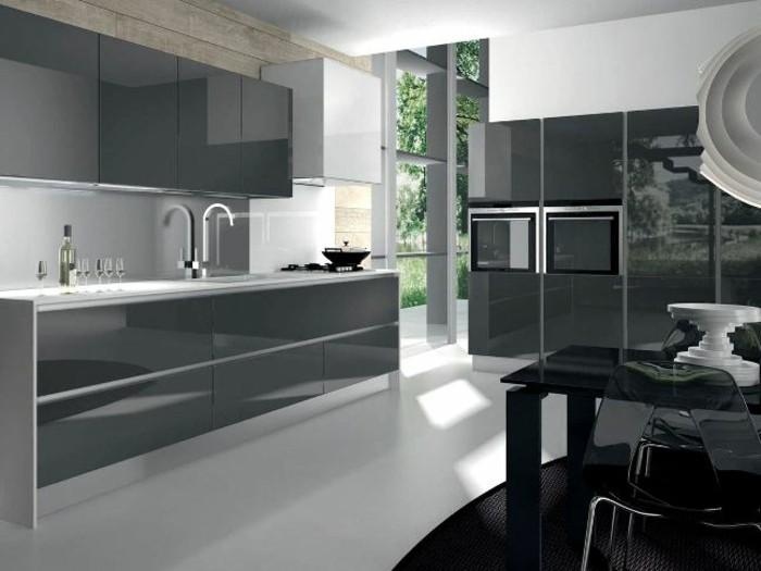 Gestalltungsideen-für-Moderne-Küche-Glasrückwand-Schwarz7