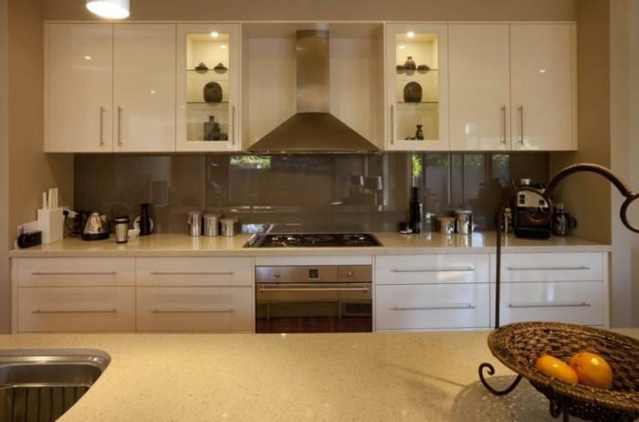 Wohnzimmer und Kamin glasrückwand küche grau : Gestaltungsideen fu00fcr moderne Ku00fcche Glasru00fcckwand