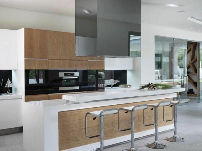 Gestalltungsideen-für-Moderne-Küche-Glasrückwand-weiß-Holz2